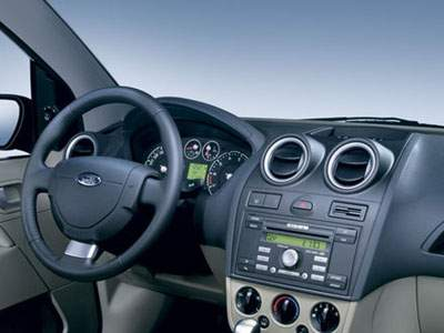 Ford Fiesta interior 2001